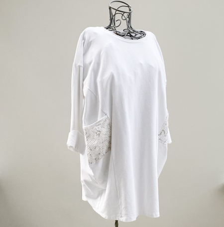 Long-length white top with sequin pockets